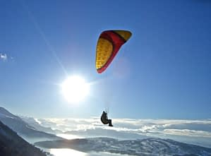 Von der Rigi kann auch im Winter Gleitschirm geflogen werden wenn kein Nebel die Sicht behindert