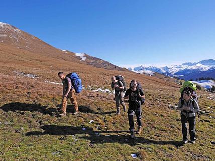 Hike and Fly zu einem Startplatz über der Baumgrenze ist trotz der Anstrengung ein schönes Gruppenerlebnis.
